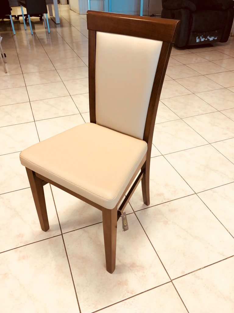 M18 - Chairs